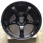 Rays Wheels Gram Lights 57CR 18x10.5 +22 5x114.3 Gloss Black